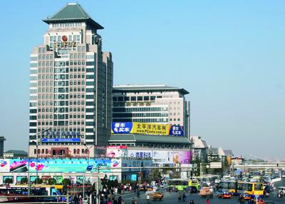 自此,北京五大电脑城只剩下海龙,科贸,鼎好以及e世界电子卖场四家.