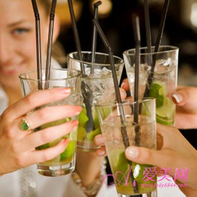 电脑辐射影响内分泌 饮品助白领抗辐射