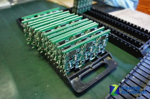 成批的集成电路板