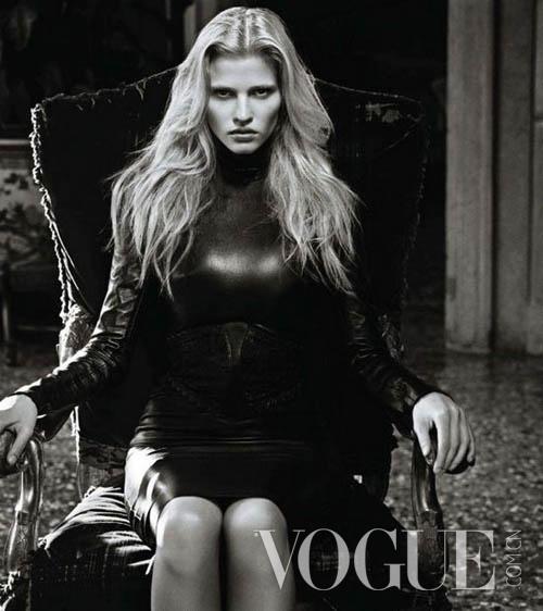Courtesy of Vogue Japan