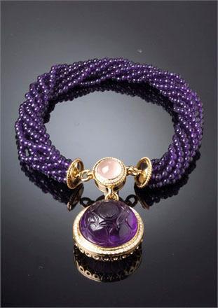 dafne项链,主石雕花紫金石,  辅石芙蓉石和钻石