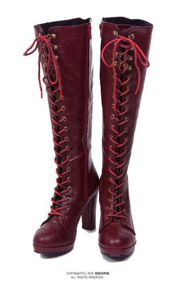 酒红色长靴怎么搭配