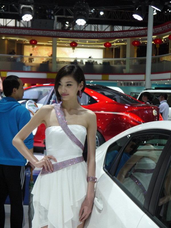 2012北京车展丰田展台靓丽车模-汽车频道-和讯