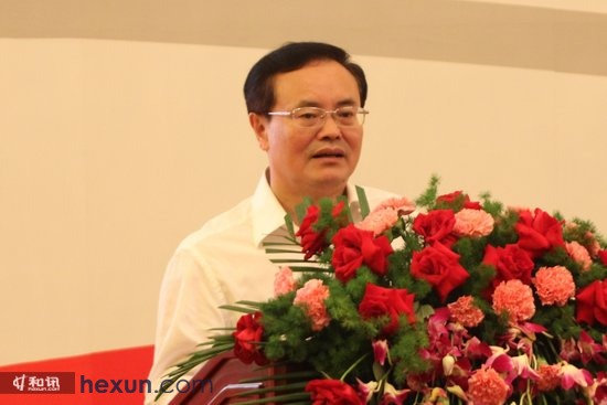 全国工商联副主席、中国民(私)营经济研究会会长庄聪生