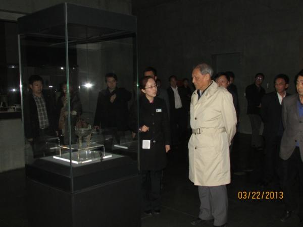 ...洛阳博物馆参观访问,河南省人大副主任张大卫,洛阳市人大主任...