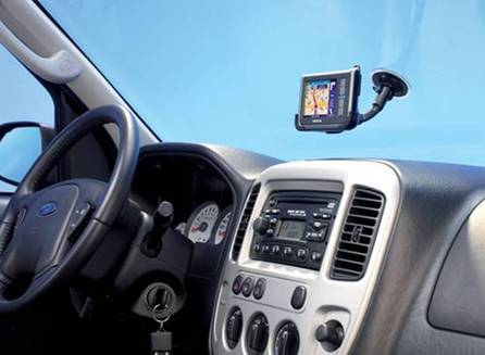 汽车导航仪品牌哪个好?车载gps导航仪选购技巧