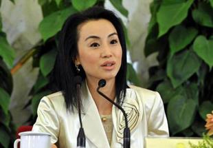 女富豪刘迎霞搭上中石油 曾令旗下基金起死回生