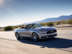 福特野马3.7硬顶震撼发售 现车价格49万高清图片