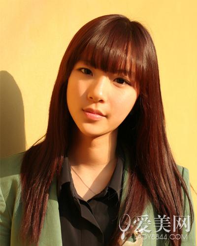 style 5 经典的齐刘海配长直的头发,彰显了清新可爱.