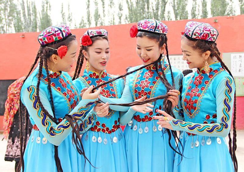 『靓丽工程』展现新疆女性魅力