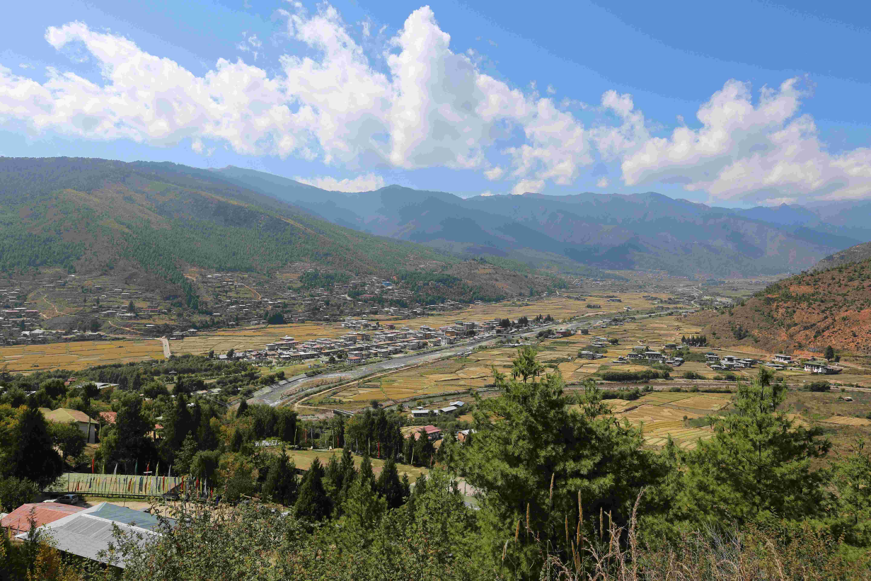 新华社照片,帕罗(不丹),2015年10月22日   (锐视角)不丹帕罗美景   这是10月21日拍摄的不丹帕罗山谷。   帕罗拥有不丹唯一的国际机场和众多历史文物古迹,地理位置也很重要。   新华社记者周盛平摄