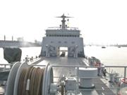 中国研发五千吨隐形坦克登陆舰