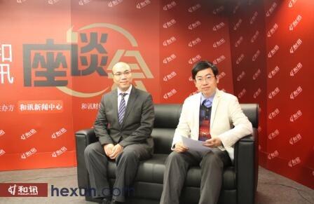 图为梁海明先生(左)和盛思鑫先生(右)